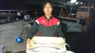 <p>匿名様 沖の北 ノマセ タチウオGET</p> <p>ノマセは掛けるのが難しいですが、大型が釣れる可能性が高いのでオススメです!おめでとうございます(^O^)</p>