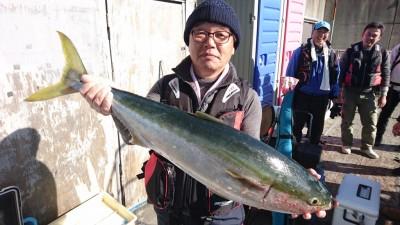 <p>沖の北 ノマセ ブリGET</p> <p>年明けでも、青物釣れてますよ♪おめでとうございます(^O^)</p>
