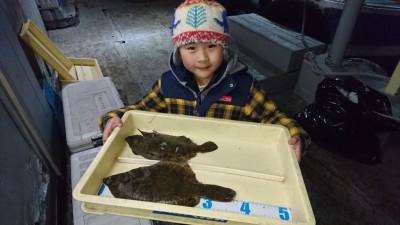 <p>沖の北 投げ釣り 良型カレイGET</p> <p>良型カレイ釣れてますね!カレイ初挑戦で釣れたようです(^O^)おめでとうございます</p>