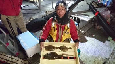 <p>西山様 沖の北 投げ釣り カレイとキスGET</p> <p>18時過ぎから釣れたようです(^O^)おめでとうございます!</p>