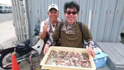 <p>川上様 沖の北 タコジグ タコ14杯GET</p><p>タコ釣り初挑戦でこれだけ釣れたそうです!後ろに名人居てますからね(^^♪</p>
