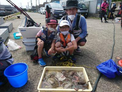 <p>旧一文字3番 タコエギで良型のタコ多数!一番大きいのは700gでお子さんが1人で釣り上げたそうです♪すごい♪</p>