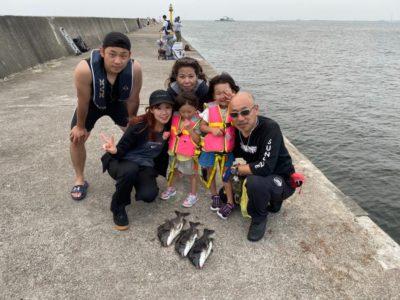 <p>西田ファミリー様 沖の北 落とし込み チヌGET</p><p>初挑戦の息子さんも娘さんもチヌ釣れたようです(^^♪サビキでアジもGETされていました</p>