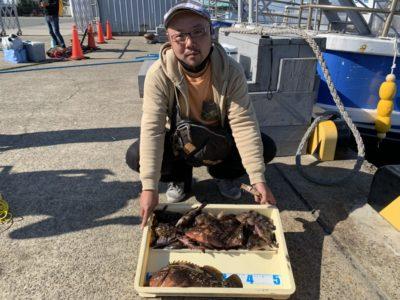 <p>久岡様 沖の北 シラサのズボ釣りでアコウ・ガシラ・メバルGET♪底撒きでしっかりと魚を寄せるとよく釣れますね^ ^おめでとうございます(^o^)</p>