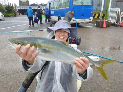 <p>沖の北 のませ釣り初挑戦でメジロゲット!</p>