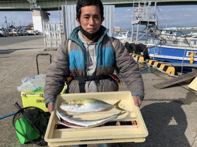 <p>宮崎様 沖の北 メタルジグでハマチとサゴシ GET♪ハマチは肥えてる良い個体でした!おめでとうございます(^o^)</p>