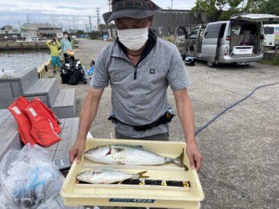 <p>松本様 沖の北 ショアジギでハマチとのませ釣りでメジロ GET!!</p>
