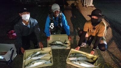 <p>牟禮様 沖の北 ショアジギ メジロサイズGET!</p><p>今日は午前中にルアーで良く釣れたようです(^^♪</p>