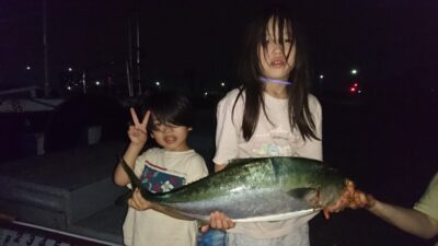 <p>合田様 沖の北 飲ませ ブリ81cmGET</p><p>毎回飲ませで良型釣られております(^^♪</p>