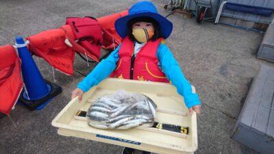 <p>さやかちゃん 沖の北 サビキ ウルメイワシGET</p><p>サバとイワシは沢山いますので、お子さんにオススメです</p>